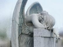 Nagrobek anioł